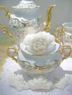 Stunning tea set in white and gold.
