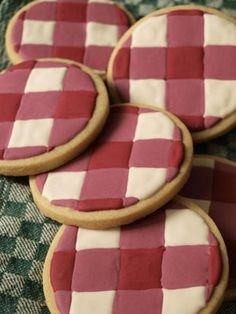 Picnic Cookies ~ No recipe, again, but pretty self explanatory. Bake up a batch of your favorite sugar cookie recipe and decorate with fondant to look like a picnic table cloth. You could add ants made from fondant or your favorite frosting.