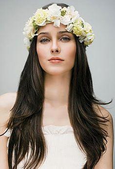 penteados para casamento noiva coroa com flores