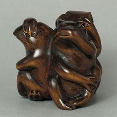 1940 s Japanese Master handmade Boxwood Netsuke  THREE FROGS  Figurine Carving