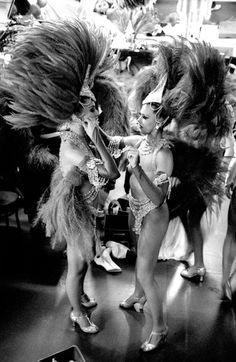 Eva & Rose | show girls | show time | feathers | black & white | vintage shot | behind the scene | dancers | performers | www.republicofyou.com.au