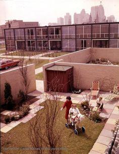 Early life in Lafayette Park Detroit International Style Architecture, Detroit News, Detroit Michigan, Casa Patio, Ludwig Mies Van Der Rohe, Social Housing, Lafayette Park, Landscape Architecture, Court Yard
