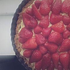Tarta truskawkowa raz! #jordbærtærte #sommer #lækkert #duparosnie #truskawki #mitaarhus #kuchareczka #jegelskerjordbær 🍓🍓🍓