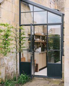 The Bath Larkhall Kitchen Home Design, Modern Design, Magazine Deco, Stylish Kitchen, House Windows, Home Interior, Interior Modern, Interior And Exterior, Asheville