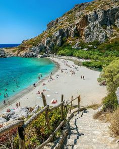Preveli Palm Beach in Rethymno, Crete - Holiday Best Greek Islands, Greece Islands, Cool Places To Visit, Places To Travel, Places To Go, Greece Vacation, Greece Travel, Rethymnon Crete, Crete Chania