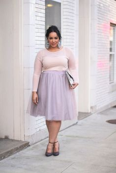 5 plus size pastel skirt outfits for romantic looks - Find more ideas at plussize-outfits.com