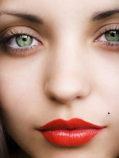 nartural look, with bright red lips