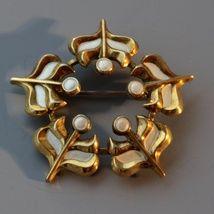 """Brosje """"Spire"""" i sterling sølv, med emalje."""
