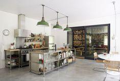 Küche Und Wohnzimmer, Küchen Design, Rund Ums Haus, Deko,  Kücheneinrichtung, Scheunenküche, Loft Küche, Küche Holz, Küchenstauraum,  Modernes Ferienhaus, ...