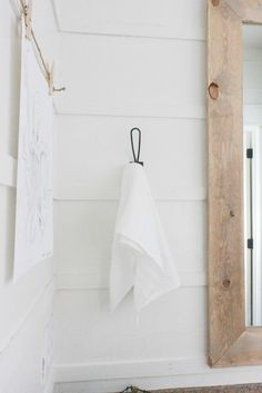 DIY Reverse Shiplap Wall Treatment Try this alternative to shiplap! Easy and inexpensive DIY reverse shiplap is the best new thing! Trendy Home Decor, Inexpensive Home Decor, Cheap Home Decor, Diy Home Decor, Diy Wallpaper, Ship Lap Walls, Reno, Wall Treatments, Diy On A Budget