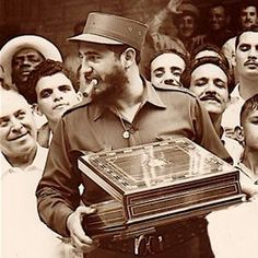 Castro with cigar box - Reasons behind why Cuban cigars are so expensive...