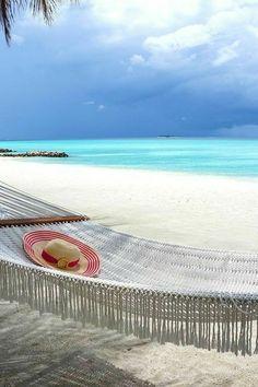Beach Life is a Hammock Dream Vacations, Vacation Spots, Fotos Strand, Surf Mar, Image Zen, Paradis Tropical, I Love The Beach, Jolie Photo, Beach Scenes
