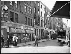 Corner of Old Compton Street and Frith Street, Soho, London, Britain - 1956 - Flashbak Countries Around The World, Around The Worlds, Berwick Street, Old London, London Photos, West End, Westminster, Soho