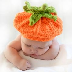 Gorro calabaza ESPECIAL HALLOWEEN. Divertido gorrito de lana para bebé o recién nacido. Para sacar fotografías profesionales de halloween. 18,00 €