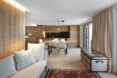 Bright and spacious living room in the mountains - My Website 2020 Spacious Living Room, Home Pictures, Decorating Small Spaces, House 2, Contemporary Architecture, Station Ski, Traditional, Bright, Mountains