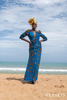 🌟Tante S!fr@ loves this📌🌟This African fashion dress is pure African fashion. The so called light bulb fabric is an original Vlisco fabric. Best African Dresses, African Print Dresses, African Wear, African Fashion Dresses, Ankara Fashion, African Prints, African Style, African Fashion Designers, African Inspired Fashion