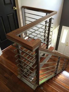 Ideas For Wooden Stairs Railing Diy Cable Stair Railing, Staircase Railing Design, Interior Stair Railing, Modern Stair Railing, Modern Stairs, Railing Ideas, Metal Railings, Stainless Steel Stair Railing, Stair Treads