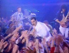 QUEEN - Freddie Mercury, Brian May, Roger Taylor & John Deacon - Gif