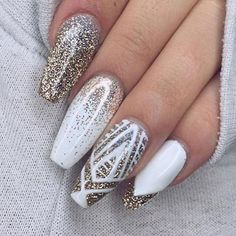 59 Awesome Acrylic Nail Art Designs to Inspire You - Nailart Fancy Nails, Cute Nails, Classy Nails, Fancy Nail Art, Nailart, White Nail Art, Blue Nail, White Stiletto Nails, White Nails With Gold