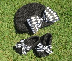 Crochet race day gear for the little lady. Cute baby shower gift!