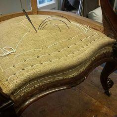Smart Furniture, Furniture Makeover, Home Furniture, Furniture Upholstery, Upholstered Chairs, Funky Chairs, Wood Sofa, Furniture Restoration, Soft Furnishings