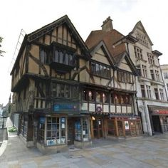 12 buildings in use today that were around when King Richard III was on the throne