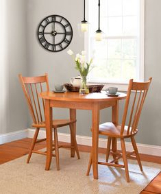 Brunch for two anyone? Our Classic Shaker Flare Leg Round Table offers the perfect spot to enjoy the late morning sun while enjoying a delicious meal with a loved one.