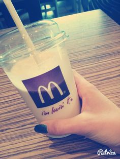 Mc donald shake mniam love ice cream <3