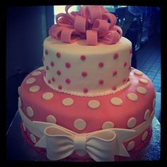 Pink and White polkadot Fondant cake