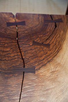 Wood dovetails in cracked oak block George Nakashima George Nakashima, Wood Projects, Woodworking Projects, Woodworking Joints, Wood Furniture, Furniture Design, Wood Joints, Got Wood, Kintsugi