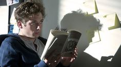 "Jeremy Allen White as Phillip ""Lip"" Gallagher in Shameless US Shameless Season 4, Shameless Tv Show, Series Movies, Tv Series, The Professional Movie, Jeremy Allen White, Freshman Year, Best Series, Episode 5"