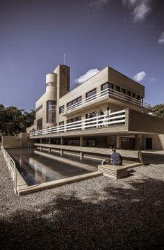 Robert Mallet Stevens (1886-1945) | Villa Cavrois | Croix, France | Coordinates: 50°40′00″N 3°09′51″E | 1929-1932 | Photo: Laurent Dequick
