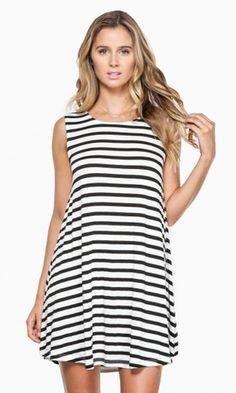 SHIFT AWAY DRESS IN WHITE & BLACK