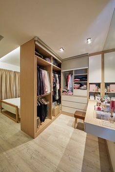 8 Ways to Squeeze a Walk-in Wardrobe in Your HDB Bedroom: For those who require more space for their vanity area, incorporate a floating table along the length of the closet against a mirrored wall. Wardrobe Design Bedroom, Master Bedroom Closet, Bedroom Wardrobe, Home Bedroom, Bedroom Ideas, Bedroom Designs, Walk In Closet Design, Closet Designs, Closets Pequenos