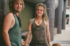 homeless couple photoshoot (train hoppers  by choice, Read their story!)