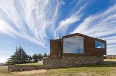 Plinth House / LAND Arquitectos