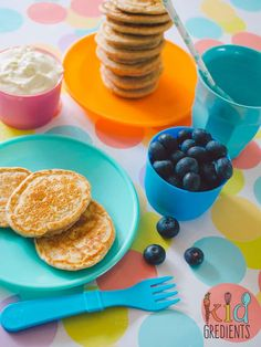 These wholemeal dairy free pikelets are my go to recipe for quick yummy no bake pikelets. These mini pancakes are low in sugar and perfect topped with yoghurt and berries. Dairy Free Pancakes, Mini Pancakes, Baby Food Recipes, Cake Recipes, Healthy Recipes, Healthy Food, Snack Hacks, Baking With Kids, Smoothie Recipes