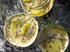 Sellerie-Kartoffel-Gratin mit Sojacreme |  Kalorien: 150 Kcal - Zeit: 20 Min. | http://eatsmarter.de/rezepte/sellerie-kartoffel-gratin