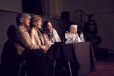 Directora Gloria Laso y parte del elenco en la Presentación Documental Viejos Amores, teatro Condell  Valparaíso