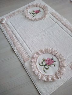 Cross Stitching, Cross Stitch Embroidery, Embroidery Patterns, Hand Embroidery, Bathroom Towel Decor, Bathroom Crafts, Kids Bath Mat, Bed Cover Design, Wedding Gift Wrapping