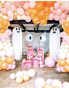 I made super cute installation with so many handmade things! Just look at ghostes! Pink and orange- my new favorite twins. Halloween can be sweet and not scary for your kids😊 by Sveta Pinkit Pink Halloween, Halloween Birthday, Halloween Party Decor, Halloween House, Spooky Halloween, Birthday Parties, Theme Parties, Baby Birthday, Birthday Ideas