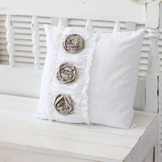 pillow | H U M A N™ | нυмanACOUSTICS™ | н2TV™
