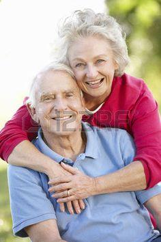 Senior couple in park photo Older Couple Poses, Couple Senior Pictures, Older Couples, Mature Couples, Couple Picture Poses, Couple Photoshoot Poses, Photo Couple, Couple Portraits, Couple Posing