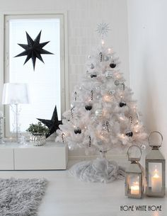 White Christmas Tree Source by Small White Christmas Tree, White Christmas Tree Decorations, Wedding Decorations, Christmas Room, Christmas Holidays, Merry Christmas, Christmas Aesthetic, Christmas Inspiration, Easter Tree