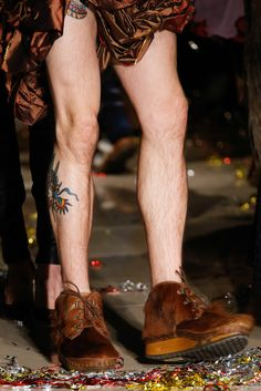 See detail photos for Vivienne Westwood Fall 2015 Ready-to-Wear collection.