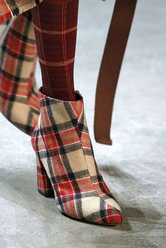 33 Fall Shoe Trends for 2018 - Best Boots From New York Fashion Week FW18 #newyorkfashion,
