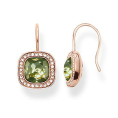 The dazzling green THE SECRET OF COSMO swan-neck earrings reflect the secret of the cosmic colour spectrum in a truly special way: the sensual, hammered look of the green synthetic spinel in the #THOMASSABO signature cut and the feminine cushion shape make these earrings with 18kt rose gold plating sparkle like stars in the sky.