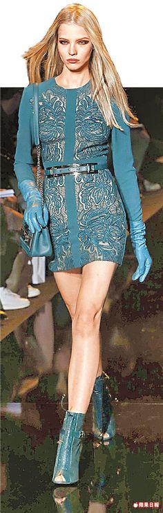 ELIE SAAB秋冬迷你洋裝借重蕾絲材質去呈現柔美女人味。