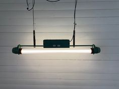 Tube Ceiling Lamp, 1950s bei Pamono kaufen Industrial Ceiling Lights, Led Lampe, Ceiling Lamp, Aluminium, Tube, Restoration, Wooden Crates, Ceiling Lamps, Ceiling Lights