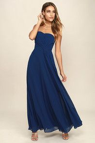The Romantic Ballad Navy Blue Strapless Maxi Dress really knows how to sweep you off your feet! A strapless sweetheart neckline tops this maxi dress with draping sash detail. Strapless Sweetheart Neckline, Strapless Maxi, Grad Dresses, Bridesmaid Dresses, Formal Dresses, Long Dresses, Sage Green Maxi Dress, Under Your Spell, Floral Print Maxi Dress
